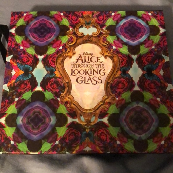 Urban Decay Other - Disney Alice Through The Looking Glass Pallete